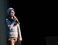 Lena Hacker, Poetry Slamerin mit ihrem Beitrag 'epic fail'