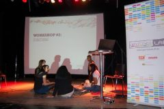 In der zweiten Workshoprunde diskutieren die Gruppen über unterschiedliche medienrelevante Themen