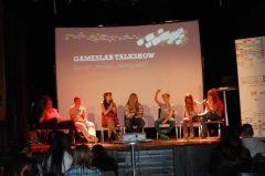 In der Talkshow wurden unterschiedliche Situationen über Konflikte in und über Medien in kurzen Clips thematisiert…